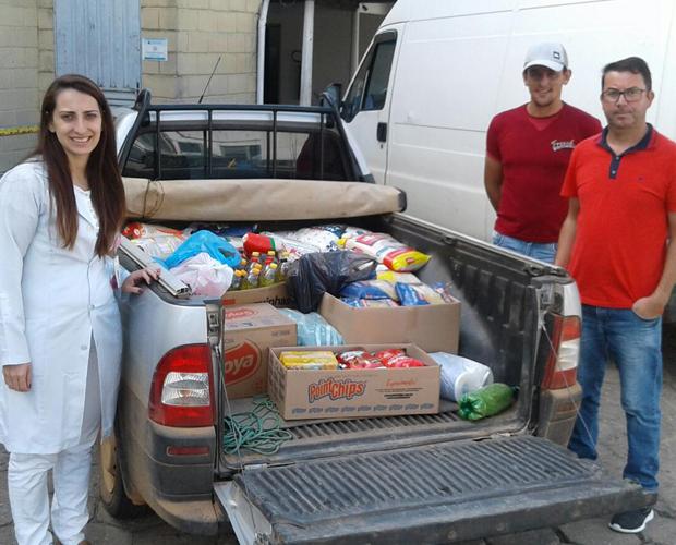 Comunidade do bairro Fazenda Velha doa 400 kg de alimentos ao Hospital Samuel Libânio