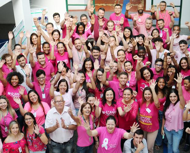 Funcionários da FUVS participam da Campanha Outubro Rosa