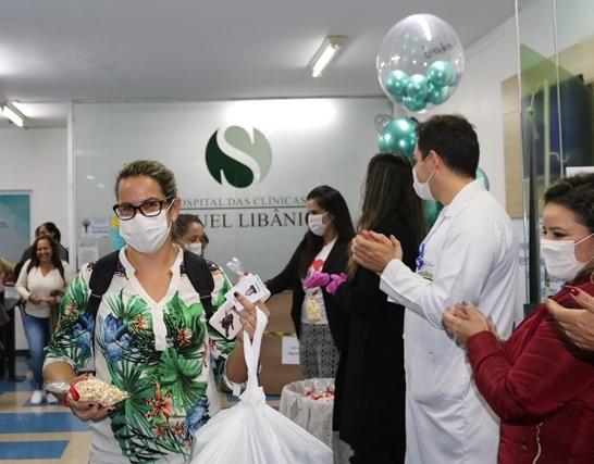 Equipe de Enfermagem do HCSL recebe homenagem de entidades e associações de Pouso Alegre