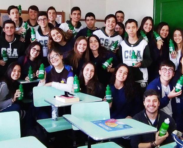 Representantes da Univás visitam colégio em Paraisópolis