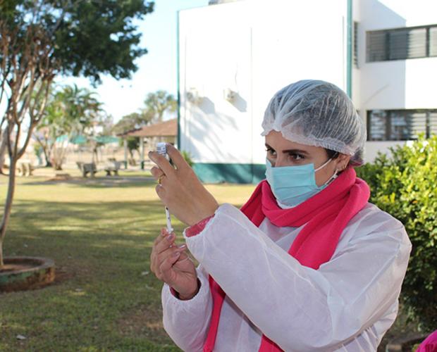 Unidade Fátima da Univás sedia mais uma etapa de vacinação contra Covid-19