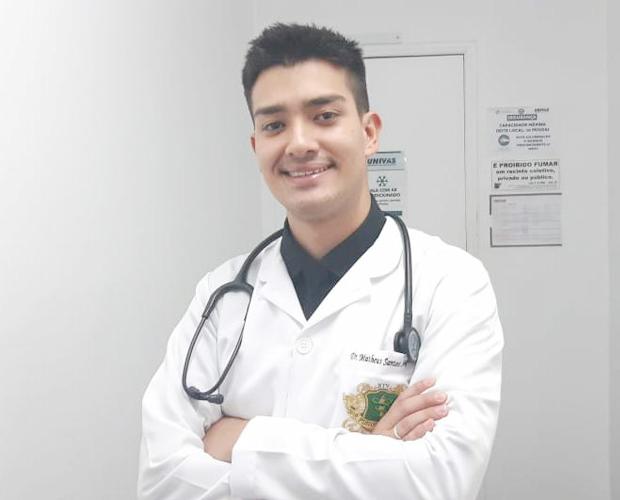 Aluno de Fisioterapia da Univás é aprovado no programa de residência da Unisa
